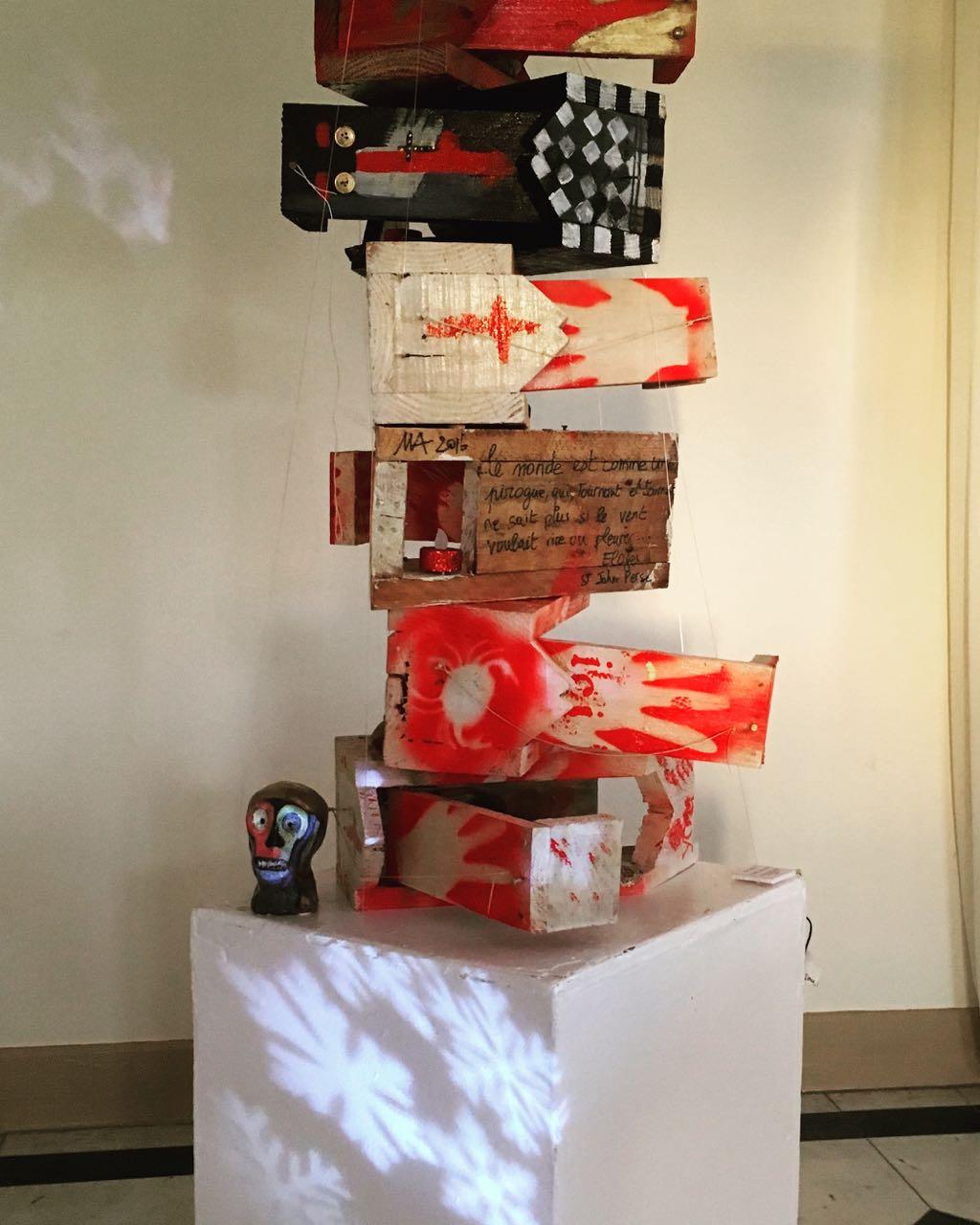 "installation ""le piège amoureux"" exposition ""HABITER"""